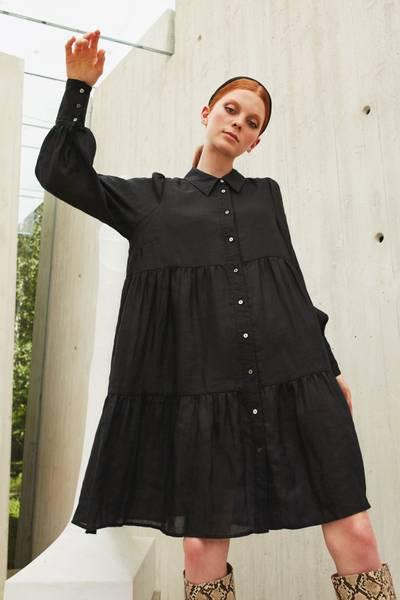 Bilde av KATRIN URI Genevieve Ramie Dress Black